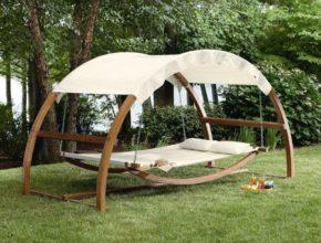 Castorama huśtawki – zabawa w ogrodzie nie tylko dla dzieci