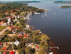 Siemiany – malownicza wieś nad jeziorem Jeziorak