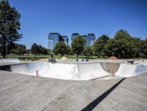 Gdzie na deskorolkę w stolicy? Najlepsze skateparki Warszawa