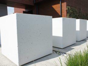 Duże donice ogrodowe ceramiczne – jakie są ich zalety?