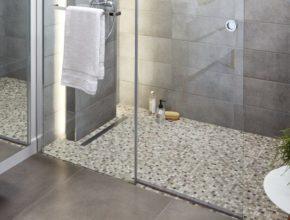 Prysznic bez kabiny – jak urządzić łazienkę?
