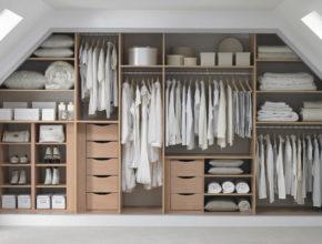 Jak urządzić garderoby ze skosem?